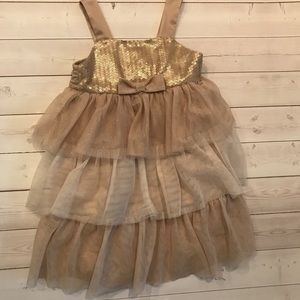✨Super pretty gold sparkly party dress! ✨